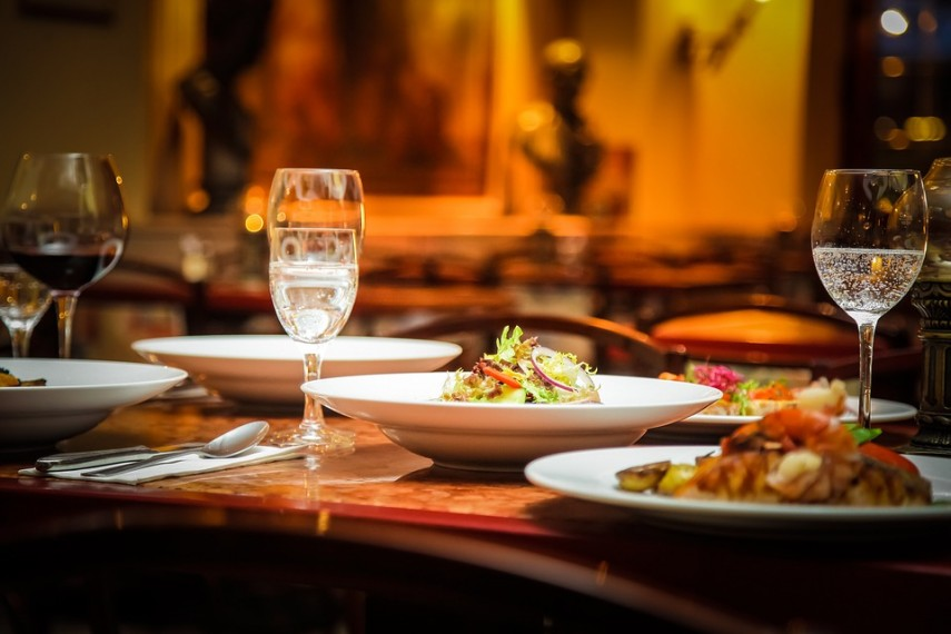 How Can Restaurants Benefit by Integrating Surveys to Their CRM Software?